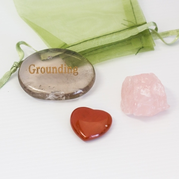 GroundingCrystalPouch