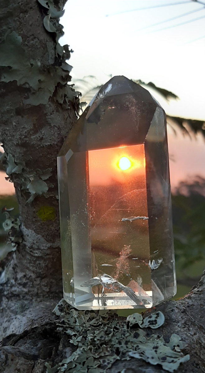 Connecting through crystals - Heart of the Bay - Byron Bay Crystals