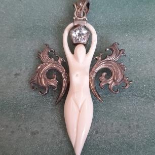 Sacred Geometry Goddess - Heart of the Bay Byron Bay