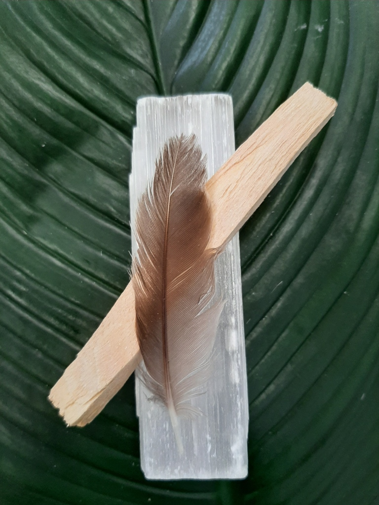 20200707_102104Selenite San Palo Selenite incense Smudge Sticks Crystals High Vibes - Heart of the Bay Byron Bay Crystals